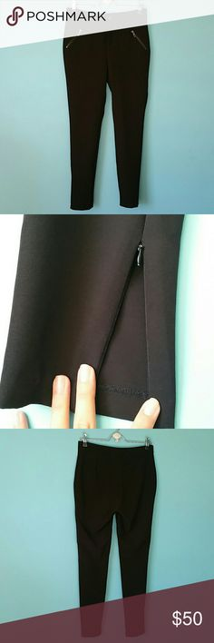 Sexy slacks These are the most amazing work pants / slacks  Or with a blouse for something other than work  There tight and have cute zipper pockets and zip open on the side of the legs   Black   Size medium Forever 21 Pants Skinny
