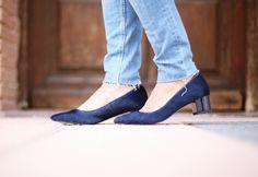 Casual Look. Look con abrigo camel. A trendy life. #casual #denim #jeans #sunglasses #camelcoat #navytop #hat #taconmidi #midishoes #details #cortefiel #promod #levi's #tous #masvision #ursulitas #outfit #fashionblogger #atrendylife www.atrendylifestyle.com