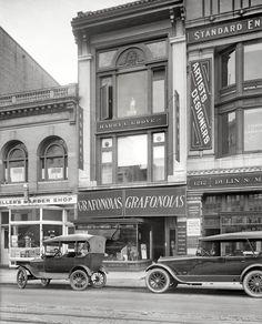 Columbia grafonolas and records! (Washington DC, 1919)