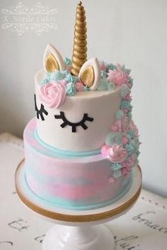 10 Gorgeous Unicorn Birthday Cakes - Lattes, Lilacs, & Lullabies Recipes and yummy cake tips Unicorn Themed Birthday, Unicorn Party, Unicorn Cakes, Cake Birthday, Little Girl Birthday Cakes, Unicorn Foods, Girls 1st Birthday Cake, Deco Cupcake, Cupcake Cakes