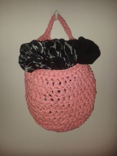 Crochet bag pattern (in finnish) Crochet Ideas, Straw Bag, Sewing, Pattern, Crafts, Diy, Bags, Handbags, Dressmaking