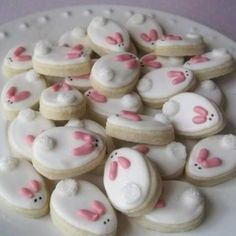 how to make cute Easter Bunny Cookies Mini Cookies, Easter Cookies, Cake Cookies, Sugar Cookie Cakes, Cupcake Cakes, Cute Easter Bunny, Easter Dinner, Cookie Designs, Easter Recipes