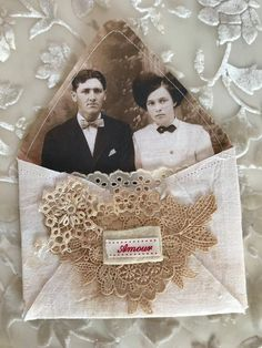 Creative Cafe': Saturday Was Crafting Day! Shabby Vintage, Vintage Crafts, Vintage Tags, Handmade Journals, Handmade Books, Vintage Journals, Paper Art, Paper Crafts, Fabric Journals
