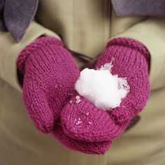 So-Simple Knitted Mittens ~ Outdoor games are so much more fun when your hands are snug and cozy inside handmade knitted mittens.