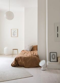 10 Ingenious Clever Tips: Feminine Minimalist Decor House cozy minimalist home color palettes.Cozy Minimalist Home Color Palettes modern minimalist living room wood. Minimalist Home Decor, Minimalist Living, Minimalist Interior, Minimalist Kids, Minimalist Kitchen, Small Minimalist Bedroom, Minimal Bedroom Design, Home Design, Home Interior Design