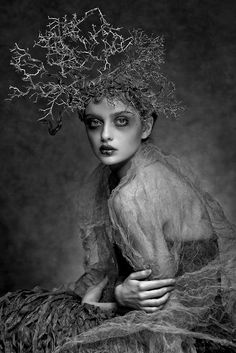 Dark Romance - black & white fashion photography; couture fashion editorial // Ph. Agnieszka Jopkiewicz