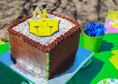Transformers - Bumble Bee cake
