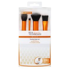 The Real Techniques Flawless Base Set features a contour brush, detailer brush, buffing brush, square foundation brush, and brush cup. Find professional makeup tools at Real Techniques! Real Techniques Brushes, Makeup Techniques, Face Brush Set, Makeup Brush Set, Base Makeup, Makeup Sets, Pink Makeup, Ulzzang Makeup, Shopping