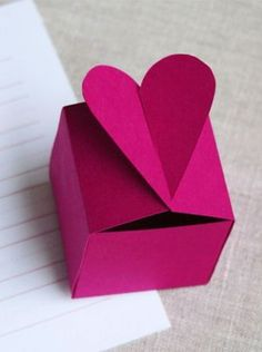 Ideas Origami Box Diy Valentines For 2019 Valentines Bricolage, Valentine Crafts, Diy And Crafts, Paper Crafts, Diy Papier, Origami Box, Oragami, Diy Box, Diy For Kids