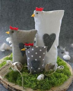 Ostern Deko Basteln DIY and Crafts XXL 2 Filz Huhner Ostern Deko Shabby Tilda art Landhaus Sewing Projects, Craft Projects, Projects To Try, Diy And Crafts, Crafts For Kids, Chicken Crafts, Chickens And Roosters, Easter Chickens, Deco Floral