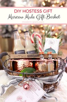 DIY Moscow Mule Gift Basket - the perfect hostess gift. Put together this easy and fun gift basket for your next dinner party invitation Homemade Christmas Gifts, Homemade Gifts, Xmas Gifts, Moscow Mule, Wine Gift Baskets, Basket Gift, Host Gifts, Christmas Baskets, Wine Gifts