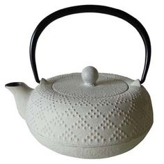 "Japanese iron kettle ""Nanbu Tekki 南部鉄器"""