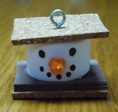 Christmas craft instructions to make S'more Snowman Ornaments from craft foam, cork and pipe cleaners. Snowman Crafts, Snowman Ornaments, Christmas Projects, Holiday Crafts, Christmas Ideas, Vintage Christmas, Christmas Stuff, Christmas Blocks, Christmas Mantles