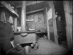 The body of Marion, murdered at a Staten Island shanty, 1915