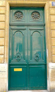 Teal Green, Paris