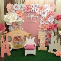 Backdrop Paper Flowers - First Birthday Party Decor - meadoria Party Kulissen, Baby Party, Party Time, Party Ideas, Birthday Decorations, Flower Decorations, Paper Flower Backdrop, Giant Paper Flowers, Backdrops For Parties