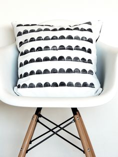 Hand-printed Scallop Cushion