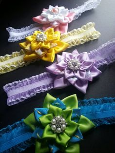 Satin/Grossgrain Kanzashi Flower attached to a 5/8 от RosesBowses