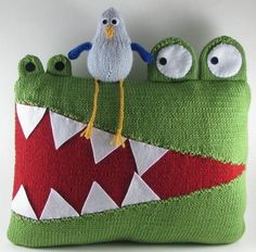 Hungry Alligator Pillow - Knitting Patterns and Crochet Patterns from KnitPicks.com