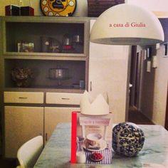 """""""Fragole a merenda"""" nella cucina di Giulia: uno scatto a dir poco... """"regale""""! #quifragoleamerenda"""
