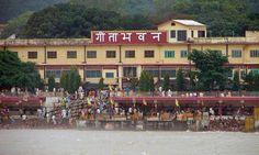 "Geeta Bhawan: Gift to Visitors  Located on the banks of sanctified River Ganga, amidst the Himalayan Mountains, ""Geeta Bhawan"" is a famous tourist place in Rishikesh that offers shelter free of cost to visitors.   Explore more at https://realhappiness.org/blog/  #rishikesh #Laxmanjhula #Ramjhula #geetabhawan #uttarakhand #india #ganges #ganga #riverrafting #templesinrishikesh #ashramsinrishikesh #trekking"