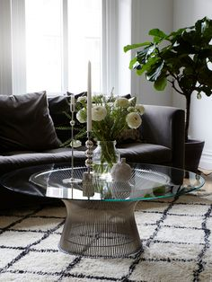 Platner coffee table - Knoll, Stella Sofa - Caravane