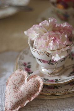 Heart and teacup ...