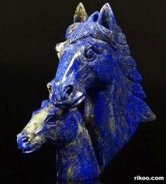 Minerals And Gemstones, Crystals Minerals, Rocks And Minerals, Stones And Crystals, Horse Head, Horse Art, Bleu Indigo, Lapis Lazuli Jewelry, Horse Sculpture