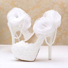Stylish Womens beautiful Bride lace Wedding Shoes Bridal Shoes by BlingQueenAu on Etsy https://www.etsy.com/listing/467814089/stylish-womens-beautiful-bride-lace