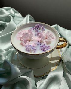 Lavender Aesthetic, Flower Aesthetic, Purple Aesthetic, Aesthetic Food, Aesthetic Vintage, Cozy Aesthetic, Flower Tea, Simple Pleasures, Cute Food
