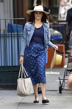c5039e8ebbb1cb Rachel Weisz in Blue out in New York Boho Fashion