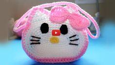 Knitting Patterns Bag Crochet 'Hello Kitty' Inspired little girls purse – Video 3 (Final) Crochet Hello Kitty, Chat Hello Kitty, Hello Kitty Purse, Crochet Bunny, Coin Purse Pattern, Crochet Purse Patterns, Bag Pattern Free, Knitting Patterns, Backpack Pattern