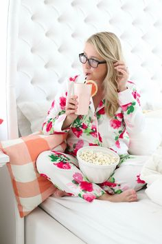 Kate Spade Floral Pyjamas | Popcorn and Chill | http://monikahibbs.com