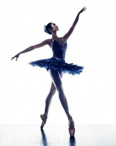 Meaning of the dream in which you see the Ballet. Detailed description about dream Ballet. Ballet Pictures, Australian Ballet, Country Dance, Dance Tights, Ballet Photography, Portrait Photography, Tumblr, Ballet Beautiful, Dance Art