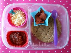 """""""Momables"""" make your own pizza just like Jenna's favorite """"Lunchable"""" but much cheaper!......update from 2 yrs ago when i first pinned this- Jenna loved this so much that she had it at least 1 or 2 times a week and is now burnt out on it...her taste has matured some too."""