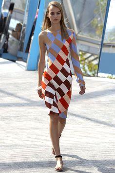 Jonathan Saunders Spring 2016 Ready-to-Wear Fashion Show - Klementyna Dmowska