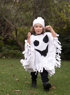 No-Sew Ghost Costume - Gina Michele Halloween 2018, Halloween Dress Up Ideas, Best Diy Halloween Costumes, Ghost Halloween Costume, Costume Ideas, Ghost Costume For Kids, Pirate Costumes, Halloween Jamie, Ghost Costumes