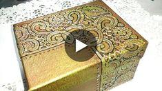 Esta caja repujada es una manera sencilla de imitar el cordoban o cuero cordobés, espero que os guste Entra en mi pagina de facebook y dejame tus fotos y comentarios, pincha aqui................. https://www.facebook.com/pages/Artesania-Lola-Temprado/132