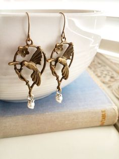 Humming bird  Earrings Bronze dangled earrings by 4Everinstyle