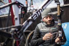 Sylvain Golay Julien Absalon s mechanic does a full rebuilt of Absalon s bike. No detail is left unchecked.