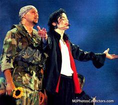 MJ | Earth Song Michael Jackson Video Songs, Michael Jackson History Tour, Michael Jackson Gif, Jackson 5, Michael Jackson Neverland, Earth Song, I Love Him, Handsome, Joseph