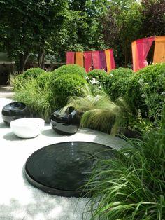 wasserbrunnen installieren garten-gestalten mit wasser-ideen, Gartenarbeit ideen