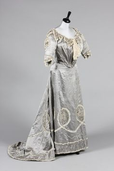 Evening dress, circa 1900. From Kerry Taylor Auctions.