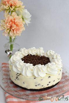 No Bake Chocolate Chip Cheesecake delicious cheesecake simply chocolate cake best cheesecake; best no bake cheesecake cold cheesecake dessert recipe Best No Bake Cheesecake, Chocolate Chip Cheesecake, Cheesecake Desserts, White Chocolate Desserts, Melting Chocolate, Cheesecake With Whipped Cream, Kolaci I Torte, Oreo Dessert, Fancy Desserts