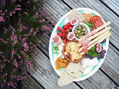 Perfect antipasti platter inspiration for when you have friends coming over and want to whip up something quick, easy and delicious! Antipasti Platter, Home Recipes, Cobb Salad, Yummy Food, Cheese, Easy, Finger Food, Delicious Food