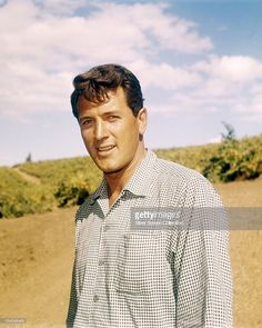 Rock Hudson In Check Shirt Outdoor Portrait Pose Large Poster Hollywood Men, Classic Hollywood, Most Popular Movies, Rock Hudson, Actor Studio, Outdoor Portraits, Handsome Actors, Portrait Poses, Check Shirt