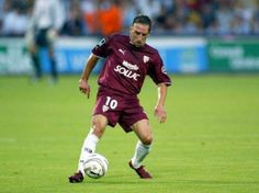 Franck Ribery (FC Metz) Fc Metz, Football, Running, Soccer, Keep Running, Why I Run, Jogging, American Football, Soccer Ball