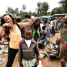 Los mercados del Valle del Omo en el sur de Etiopía son el mejor lugar para disfrutar e interactuar con los diferentes grupos étnicos. Más info en el blog: Guía básica para viajar a Etiopía