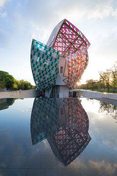 Daniel Buren: L'Observatoire de la lumière, work in situ, Fondation Louis Vuitton, Paris, 2016. © DB-ADAGP Paris / Iwan Baan / Fondation Louis Vuitton #modernarchitecture