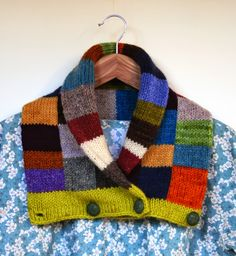 Odacier, Ellen Mason Design: Suncook Scarf - colourful button up patchwork… Knit Cowl, Knitted Shawls, Knit Crochet, Scarf Knit, Rib Knit, Knitting Designs, Knitting Projects, Knitting Accessories, Neck Warmer